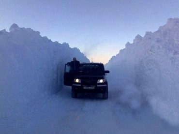 Massive Russian snow drift