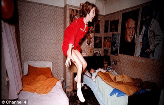 Enfield Poltergeist terrifies mother and four children in England (1977)