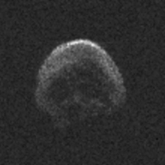 "Happy Halloween–skull-shaped ""dead"" comet hurtles past Earth today passing just under 1.3 lunar distances"