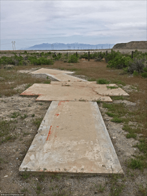 A Transcontinental Airway beacon concrete arrow