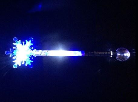 Light Up Snowflake Wand - Blue & White LEDs