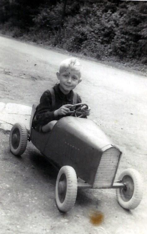 """Früh übt sich..... Jo Reuschenbach in """"Rennkiste"""" 1945"""