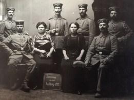 Erinnerung an den Weltkrieg 1914 hinten links: Franz Nassen