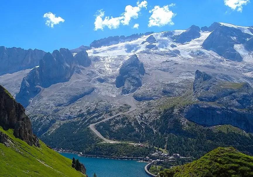 glacier de la marmolada italie