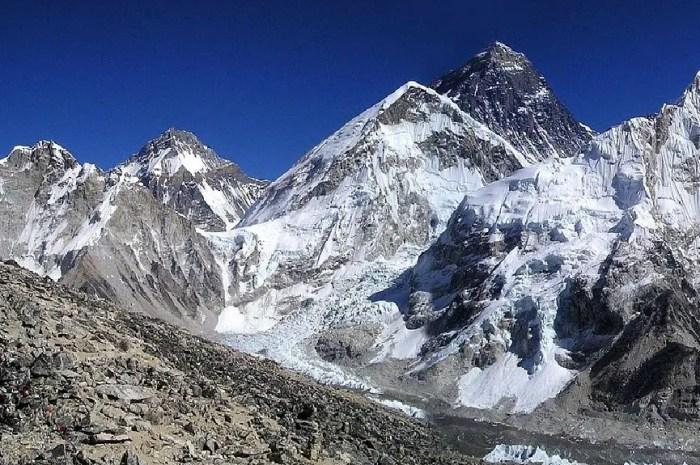 Everest : il ne va pas jusqu'au sommet, il poursuit son guide en justice !