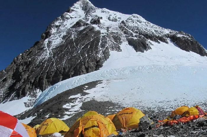 Des micro-plastiques à plus de 8.400 mètres sur les pentes de l'Everest