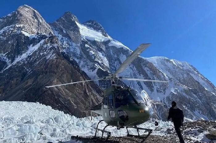 Deuxième évacuation au K2 : un alpiniste espagnol quitte le camp de base