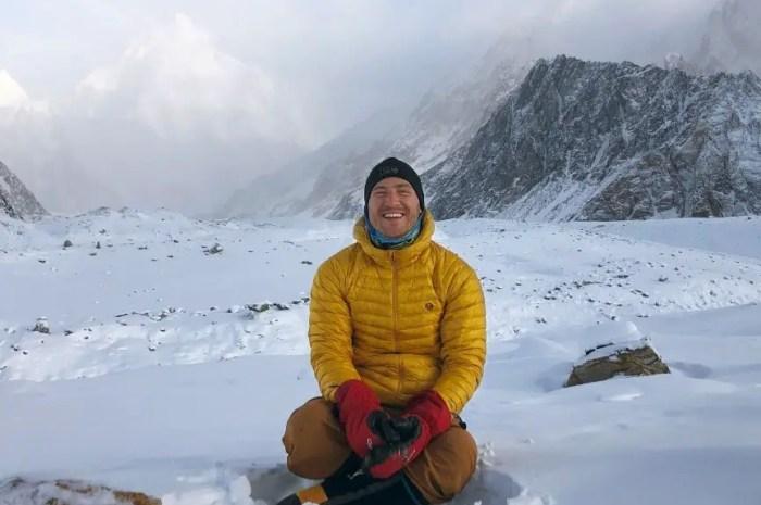 Le chanteur Mike Posner en route pour une expédition à l'Everest !