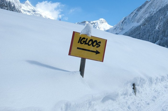 Mike Horn nous apprend à faire un igloo en pleine montagne !