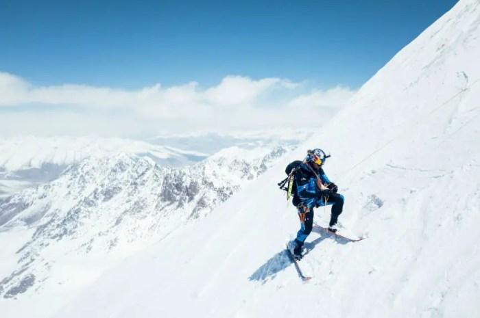 Les images de la descente à ski du Yawash Sar II par Andrzej Bargiel