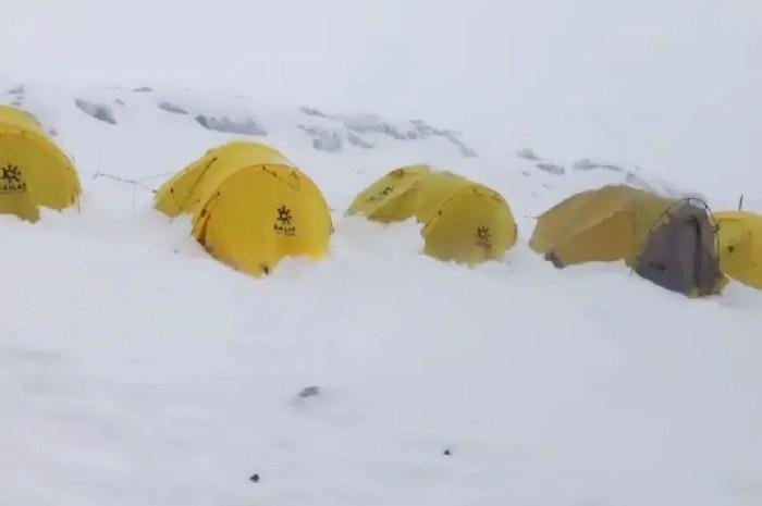Everest : derniers sommets de la saison pour les clients de Nims Dai ?
