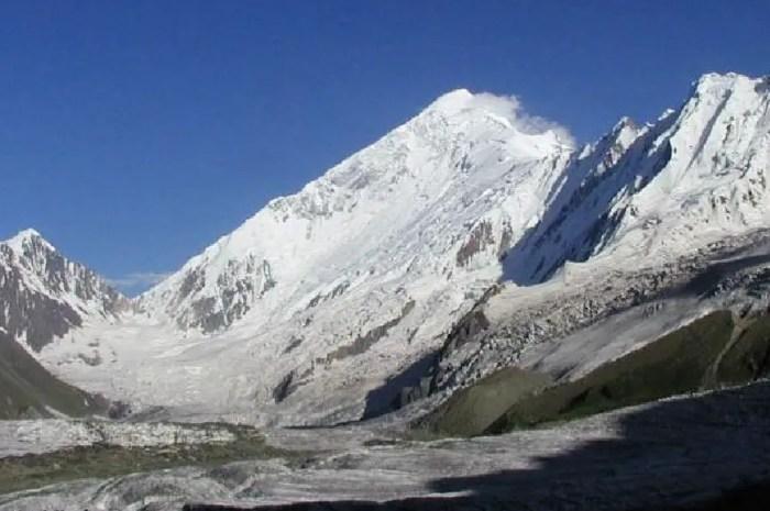 A 7.266 mètres d'altitude, des Français grimpent le Diran !