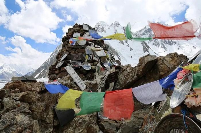 Août 1953 : coincés dans la tempête à 7.800m sur le K2 !