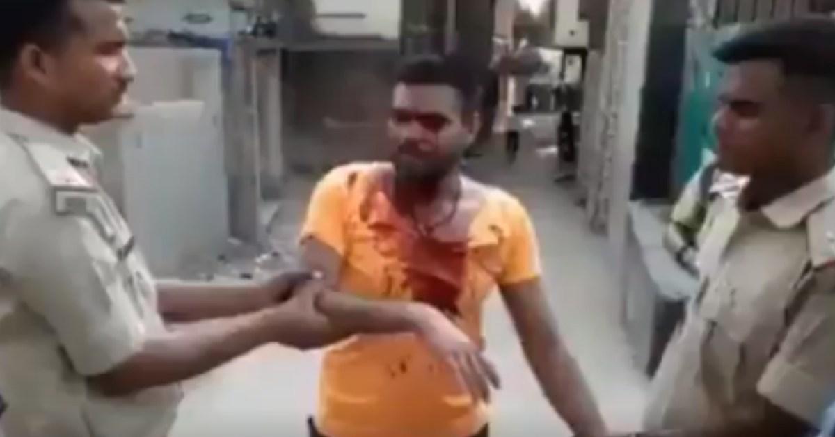 विद्यासागर कॉलेज में भगवा पहनकर मुस्लिम ने पथराव किया? नहीं, यह झारखंड का वीडियो है