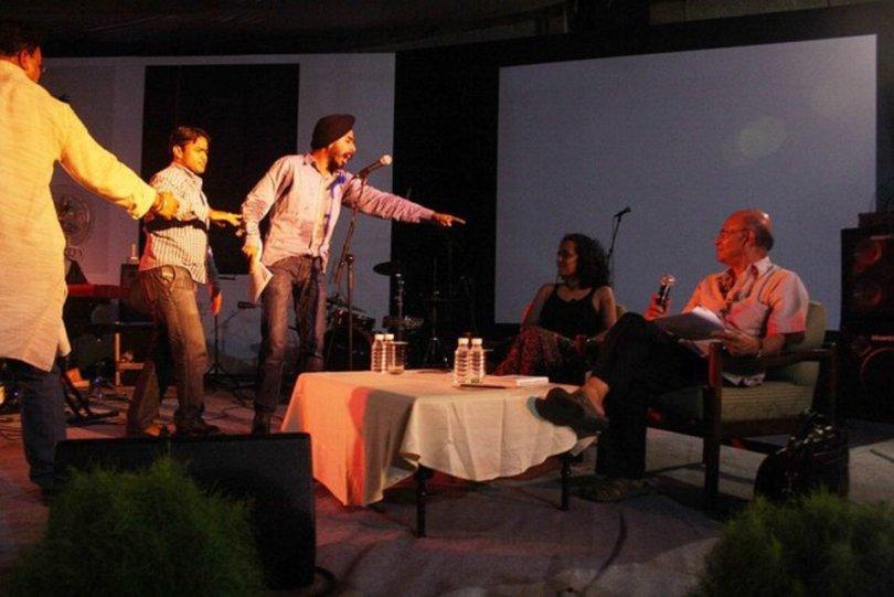 Tajinder-Bagga-Vishnu-Gupta-Threatening-Arundhati-Roy