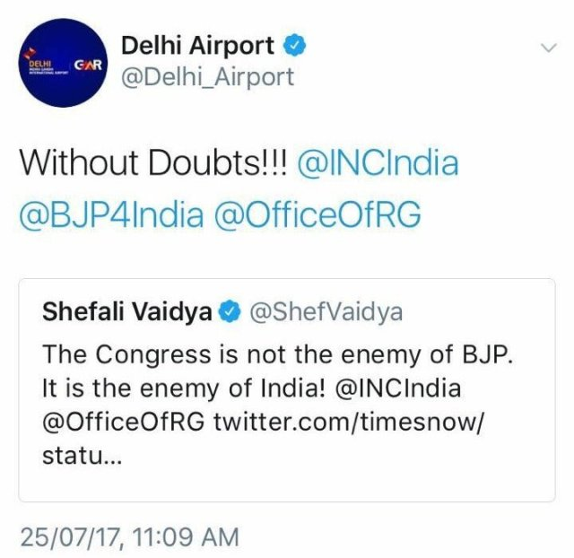 delhi-airport-anti-congress-tweet