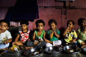 children-eating-food