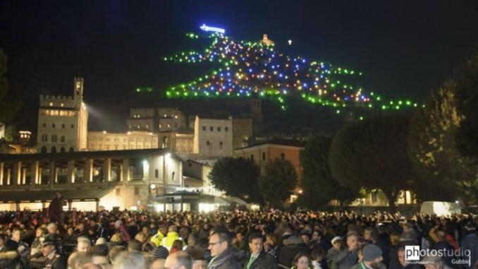 Albero Di Natale Gubbio.Iniziativa Adotta Una Luce Per L Albero Di Natale Piu Grande Del Mondo