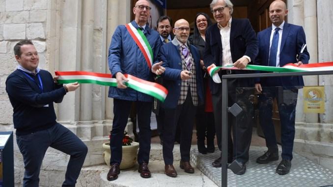 Sgarbi contro la biennale di Venezia, quella vera è Gualdo Tadino