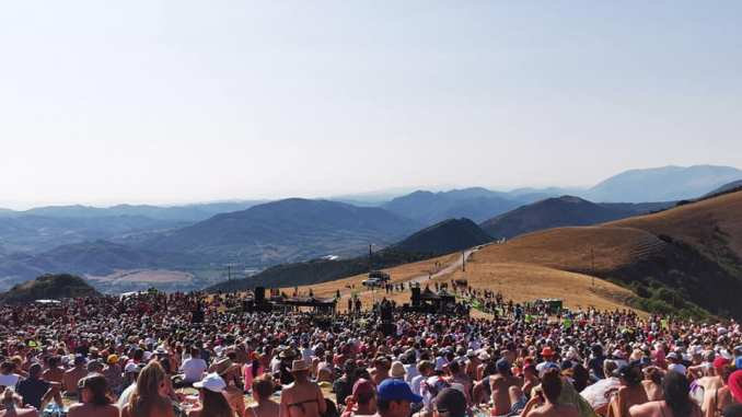 Grande successo per il concerto di Marco Mengoni al Parco di Monte Cucco