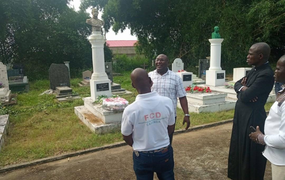 Cérémonie commémoration du traité de Simulambuco, cimetière