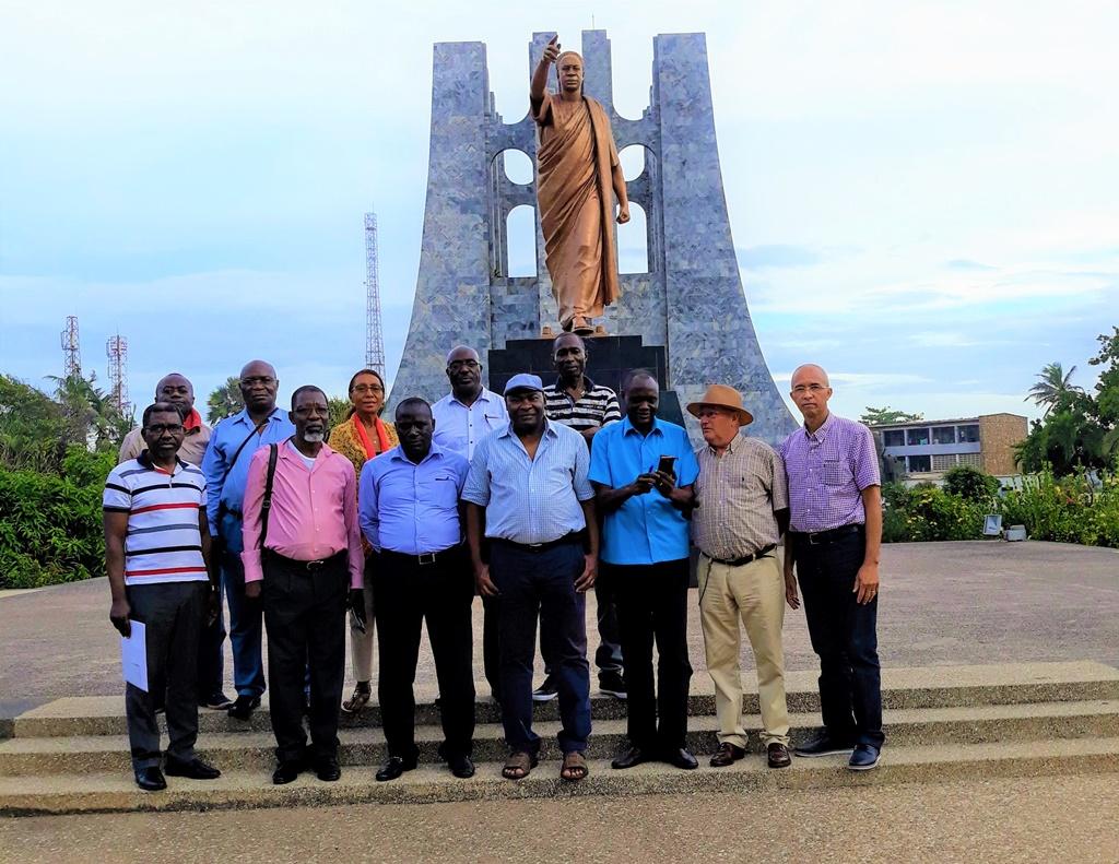 Visita do Monumento Kwame Nkrumah