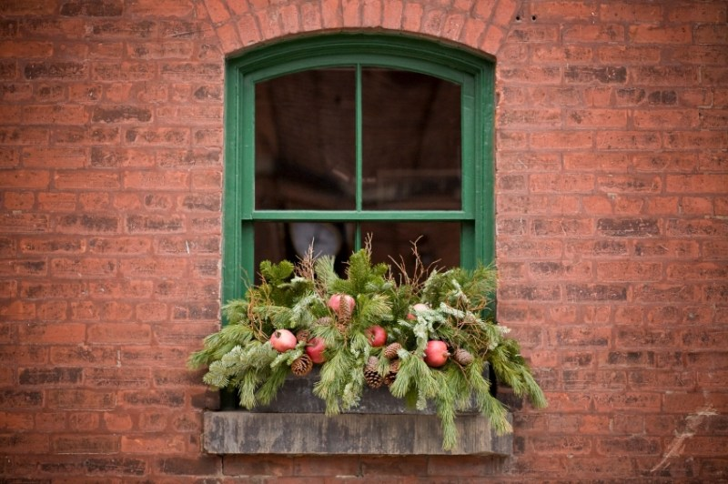 Lighted Window Box Christmas Decorations