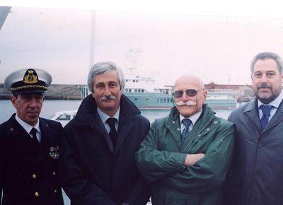 Equipaggio della CP 233 che partecipò al difficilissimo salvataggio dei nufraghi della nave London Valour