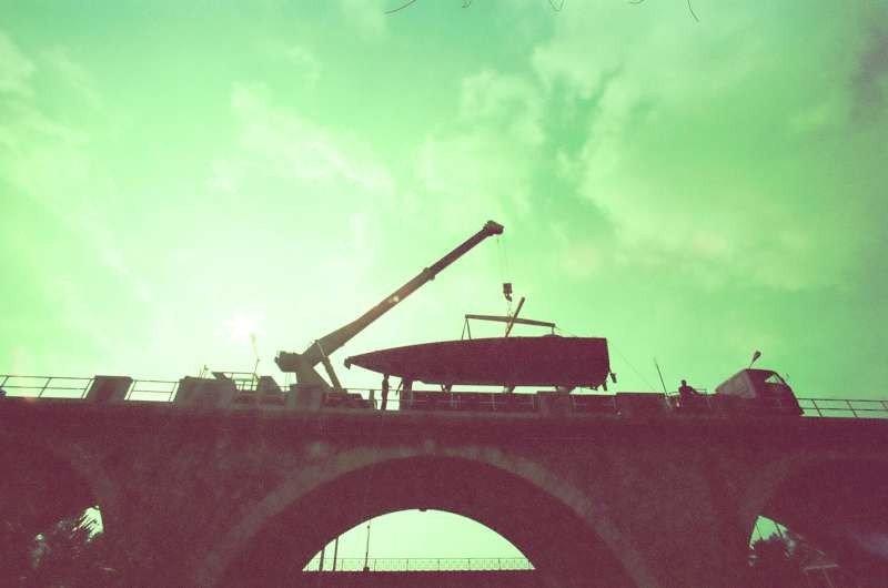 Delta Tiger calato dal ponte dell'Aurelia