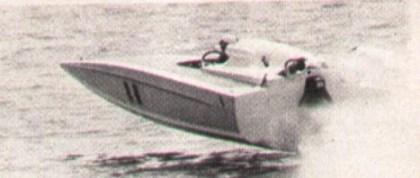 """L20"""" un'imbarcazione progettata da Sonny Levi e costruita da Giacomo Colombo del Riva Boat Service di Menaggio"""