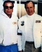 Don Aronow e George Bush (padre).