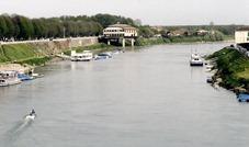 Specchio d'acqua del Ticino antistante l'aviorimessa (foto attuale)