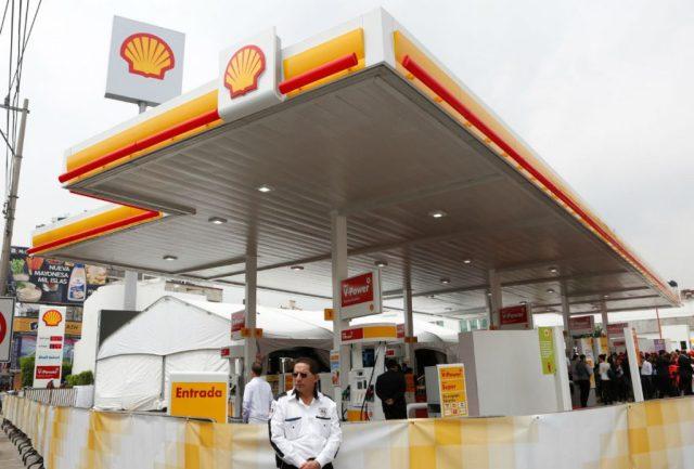 Shell abre su primera gasolinera en México.