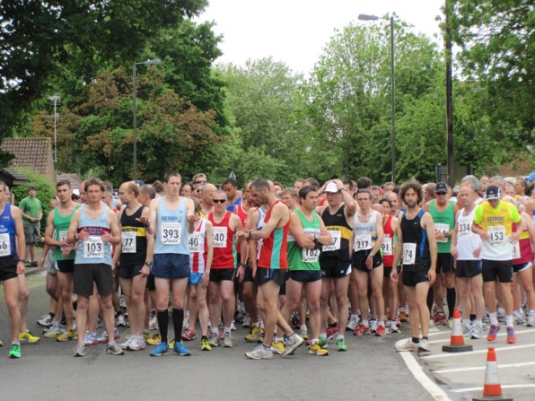 The runners get ready
