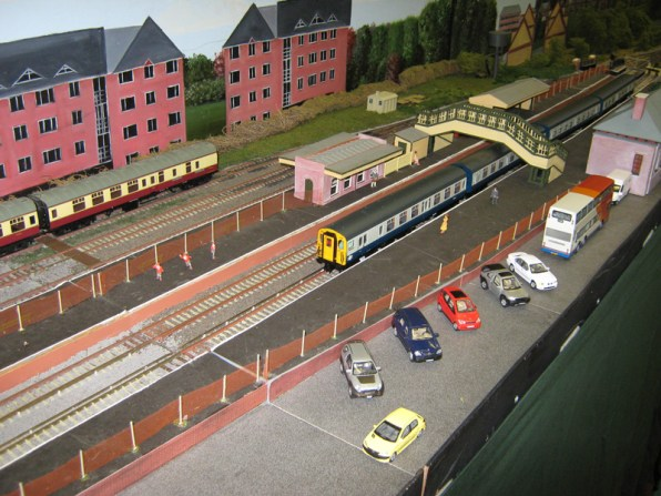 AMRG layout Alton 2000, Modern and Preserved Steam in OO Gauge