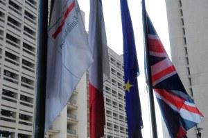 Attentato Manchester, bandiera inglese a mezz'asta