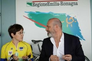 Bonaccini,  Lucia Bruni, viaggio bici Roma Bruxelles