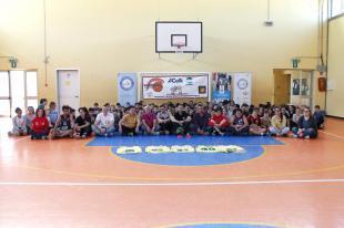 Foto di gruppo nella scuola secondaria di Lammari
