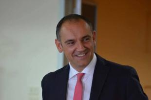 Il sindaco Luca Menesini