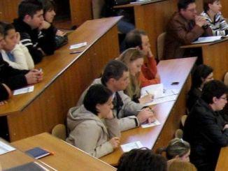 Borse di studio, pubblicato il bando: 10mila euro per gli studenti meritevoli