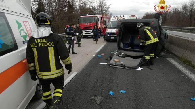 Incidente stradale sulla E45, tra Pierantonio e Resina, marito e moglie gravemente feriti