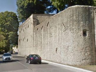 Lanciano sassi sulle auto di passaggio, succede aCittà di Castello