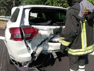Incidente sulla E45 a Umbertide, all'altezza di un cantiere, 6 feriti, grave una donna