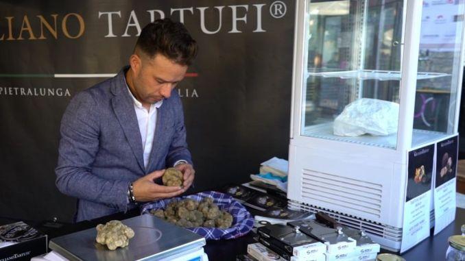 Secondo weekend per la mostra mercato del tartufo di Pietralunga