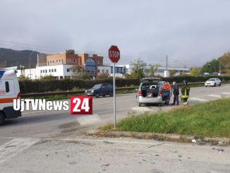 Cinque feriti lievi, due auto coinvolte, incidente stradale a Umbertide
