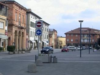 San Giustino, piazza del municipio torna isola pedonale nelle serate estive