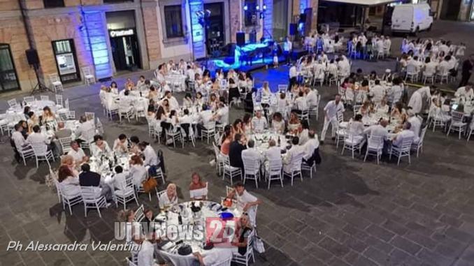 Grande successo per la prima edizione del White Dinner a Umbertide