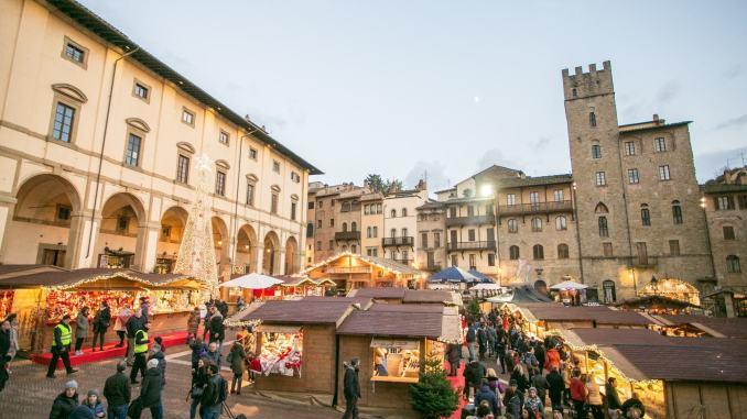 Mercatini di Natale, ad Arezzo torna il Villaggio Tirolese