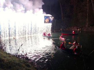 Canoa Club da record con i «Babbo Natale» lungo il Tevere