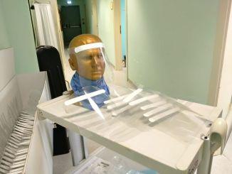 Coronavirus, imprenditori inventano visiere protettive e le donano all'ospedale